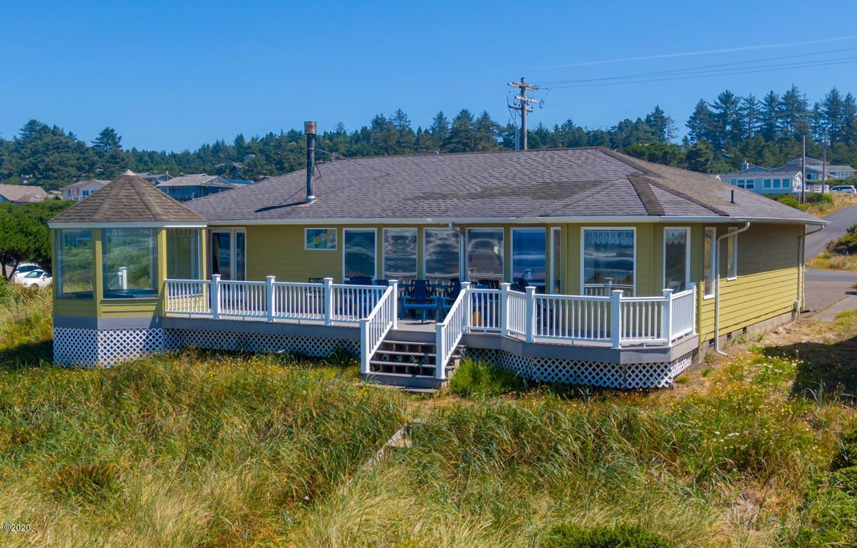 2810 NW Oceania Dr, Waldport, OR 97394