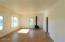 606 Miller Av, Tillamook, OR 97141 - living room