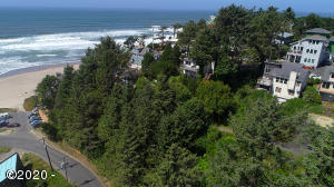 834 SW 10th Place, Lincoln City, OR 97367
