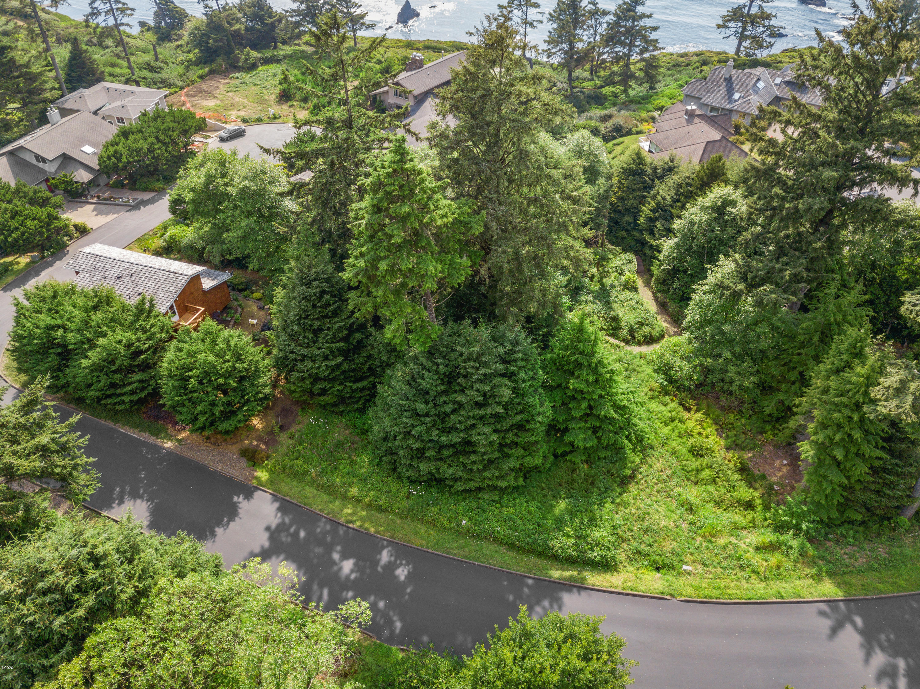 29 Sea Crest Way, Otter Rock, OR 97369