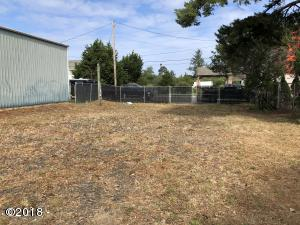 116 SE 32nd St, Newport, OR 97366 - Picture of lot