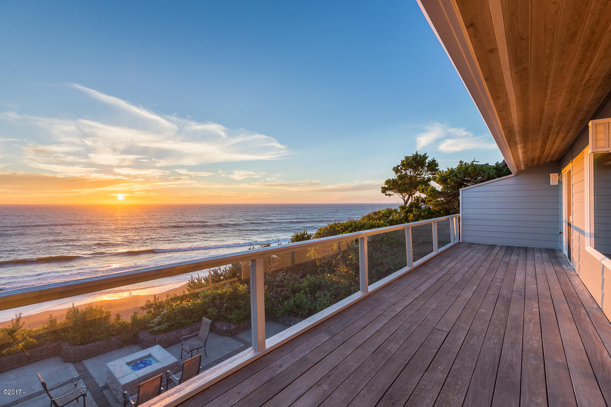 7315 Neptune Ave., Gleneden Beach, OR 97388 - Sunset Deck