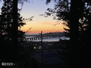 440 Edgecliff Dr, Waldport, OR 97394 - Sunset