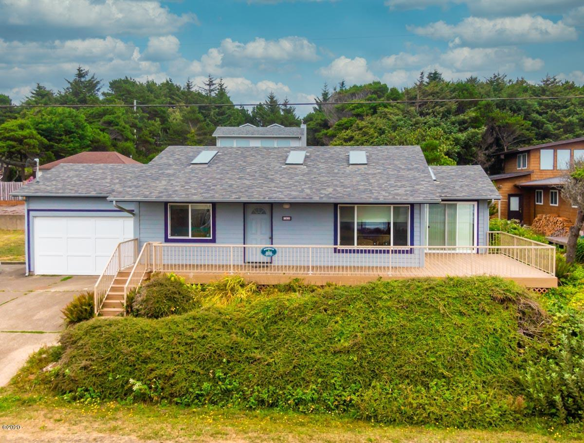 141 NW Spencer St, Yachats, OR 97498 - Front of house