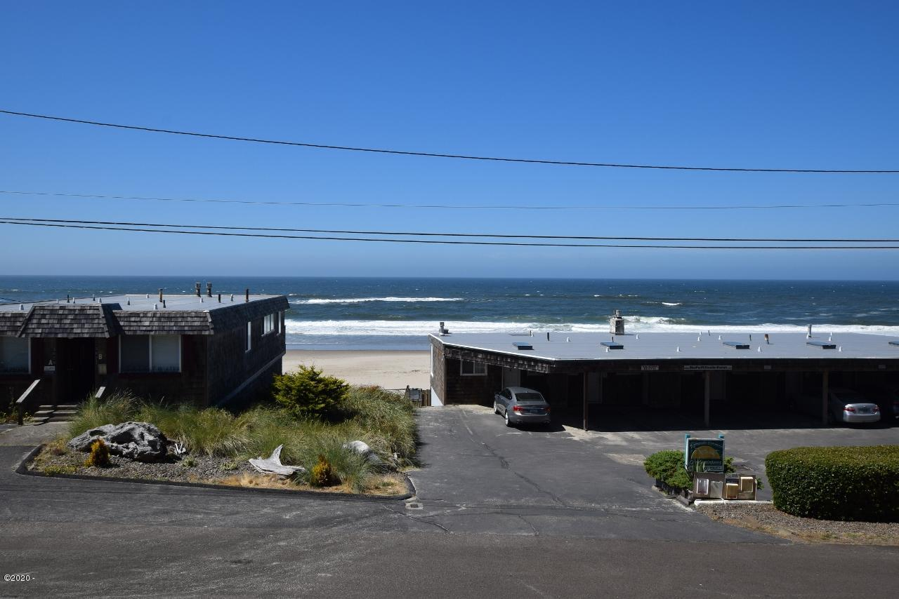 1415 NW 31st Pl, 155, Lincoln City, OR 97367 - Ocean view from deck across beach access