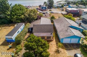 1185 NE Broadway St, Waldport, OR 97394 - Front