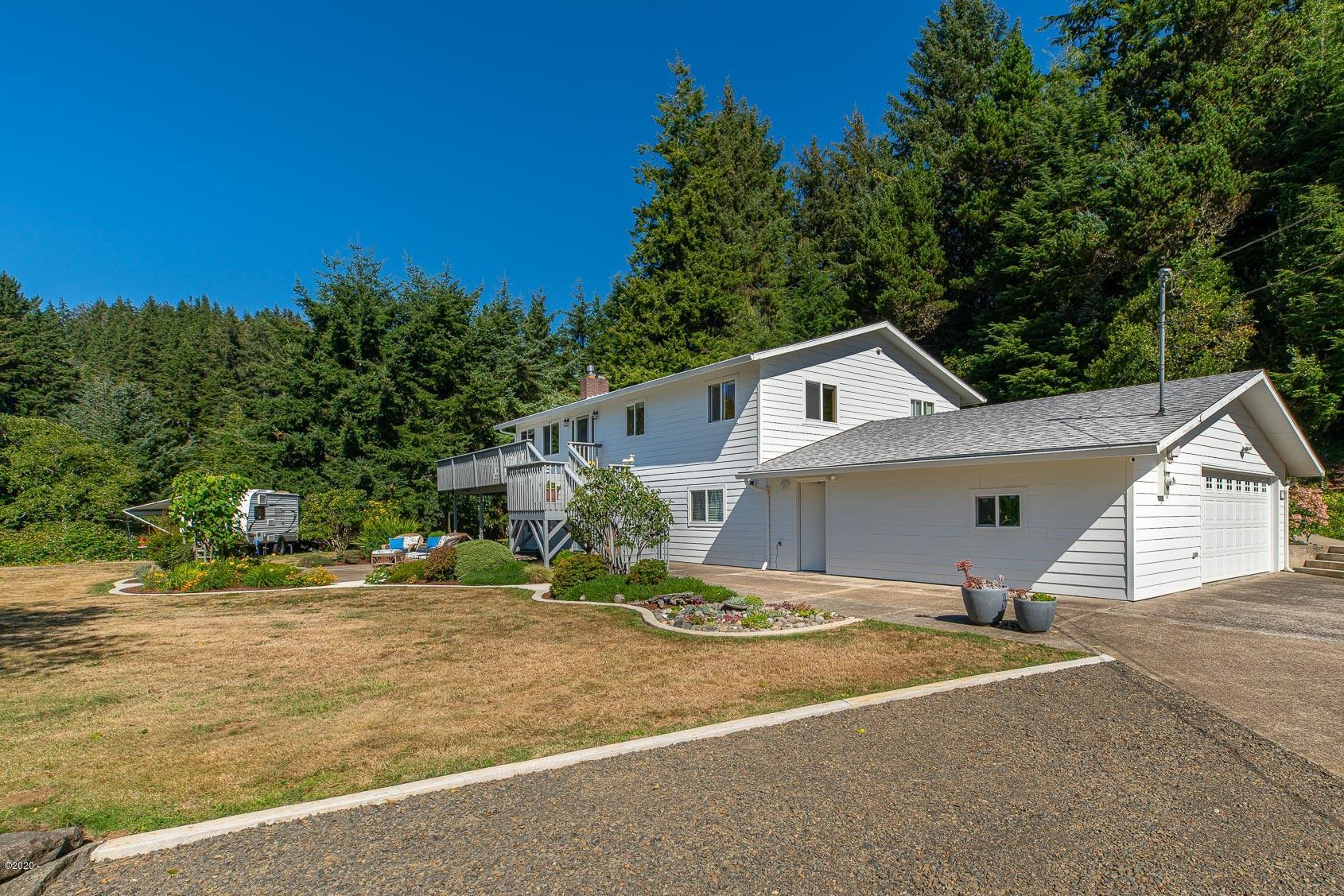 737 SW Schooner Creek Rd., Lincoln City, OR 97367