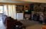 3105 NW Lee Ave, Lincoln City, OR 97367 - living room