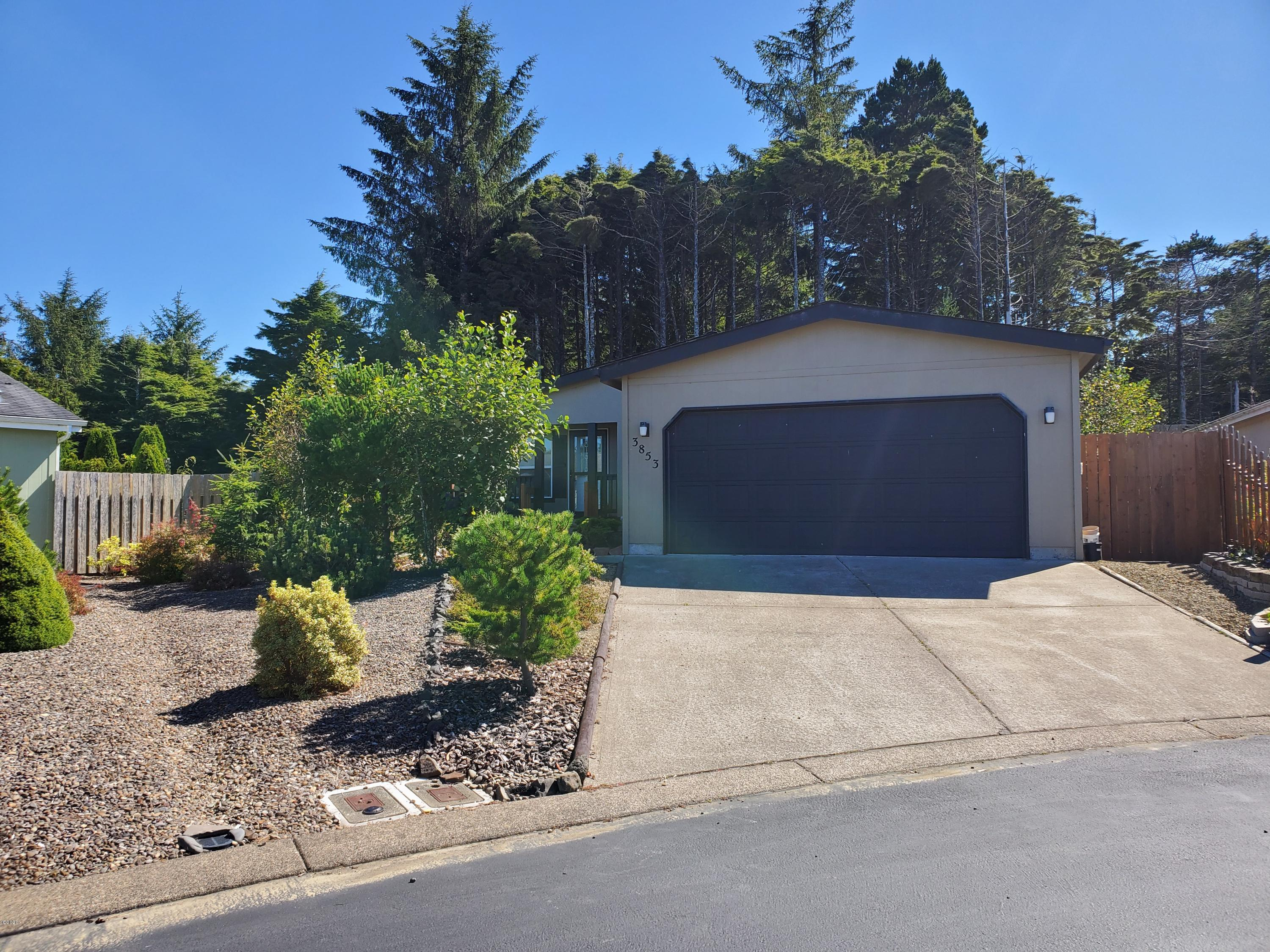 3853 Summit Ridge Cir, Depoe Bay, OR 97341
