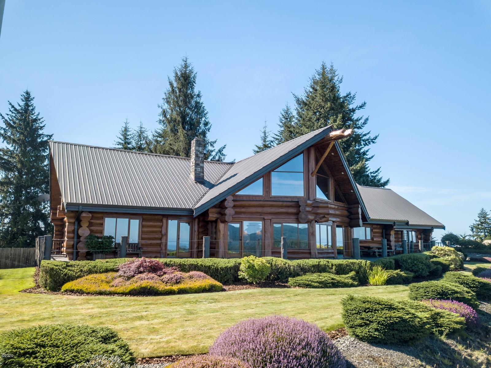 654 View Rd, Florence, OR 97439