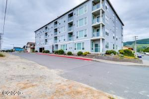 300 N Pacific St, 37, Rockaway Beach, OR 97136 - Complex