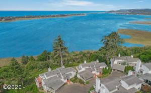8 Bluffs Dr, Gleneden Beach, OR 97388 - 204 MLS 8 Bluffs Dr Gleneden Beach