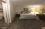 224 SW Elizabeth St, 1-I, Newport, OR 97365 - Bedroom