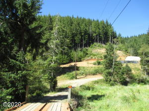 806 S Anderson Creek Rd, Lincoln City, OR 97367 - 806 S. Anderson Creek