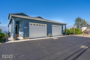 209 NE Williams Ave., Depoe Bay, OR 97341 - Curbside