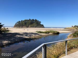 49000 SW Hwy 101, UNIT A, SHARE H, Neskowin, OR 97149 - Iconic Proposal Rock