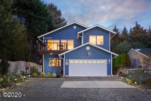 6110 Ne Oar Dr, Lincoln City, OR 97367 - Gorgeous