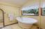246 N Mountain View Rd, Otis, OR 97368 - Soaking tub