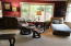 535 NE 20th Pl, Newport, OR 97365 - Living room