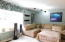 535 NE 20th Pl, Newport, OR 97365 - Main Living Area