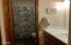 224 SW Elizabeth St, 1-I, Newport, OR 97365 - Bathroom