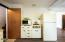 2703 NE Holmes Rd, Lincoln City, OR 97367 - convection microwave and gas cooktop