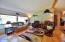 125 School House Loop, Lincoln City, OR 97367 - Living room