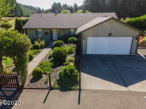 540 Wakefield Rd, Eddyville, OR 97343 - Front of House