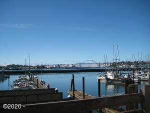 1000  M172 SE Bay Blvd, Newport, OR 97365 - Moorage 172 D Dock