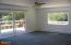 327 S Bay Rd, Toledo, OR 97391 - Living room