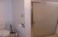 327 S Bay Rd, Toledo, OR 97391 - Bath #2