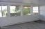 327 S Bay Rd, Toledo, OR 97391 - Family room