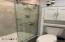 52 SW 95th St, South Beach, OR 97366-9714 - Master Bath