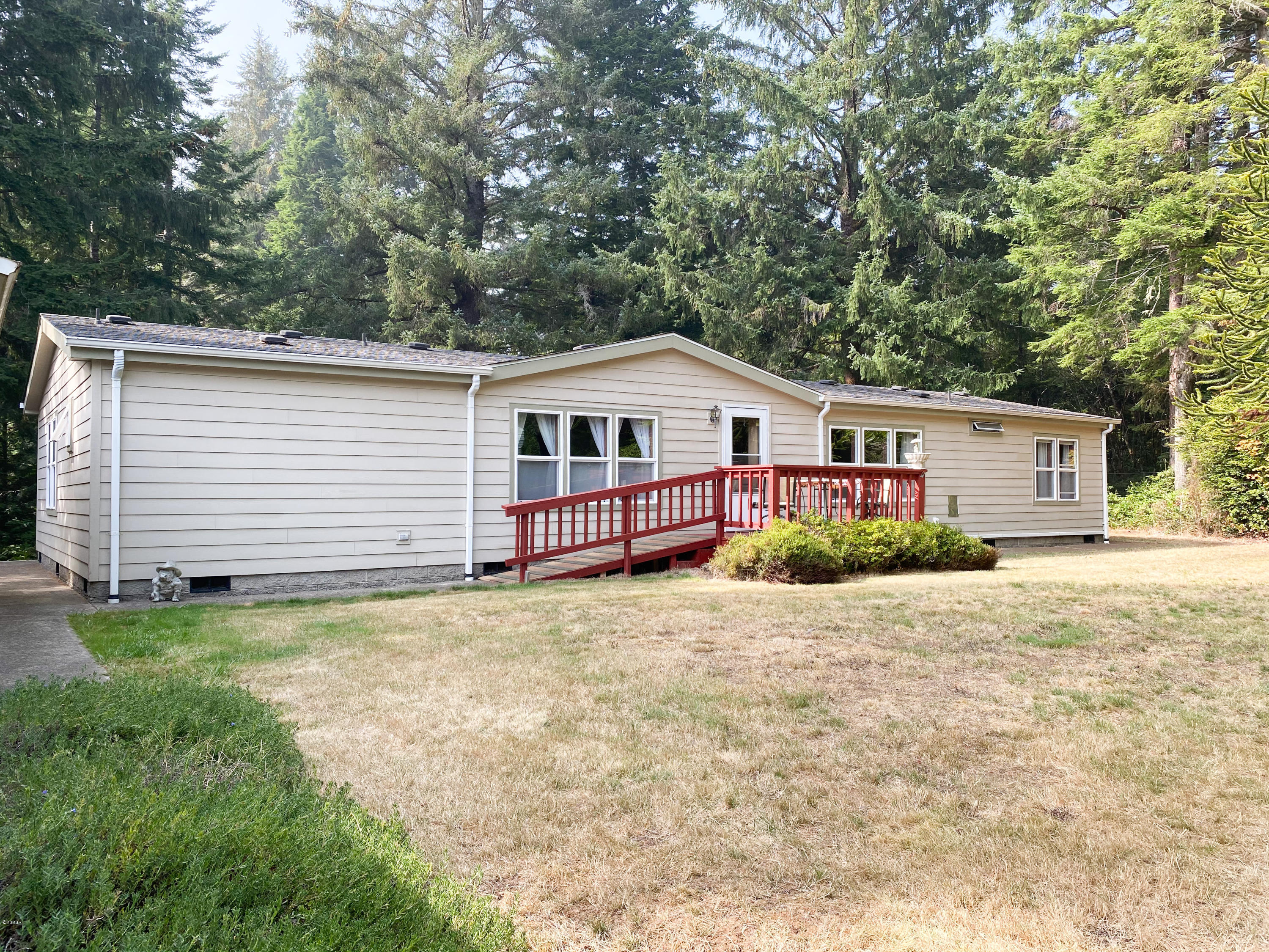 1730 SE Keiski Ln, Waldport, OR 97394 - Front of house