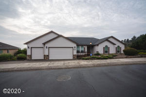 4667 NW Miramar, Lincoln City, OR 97367 - Front view