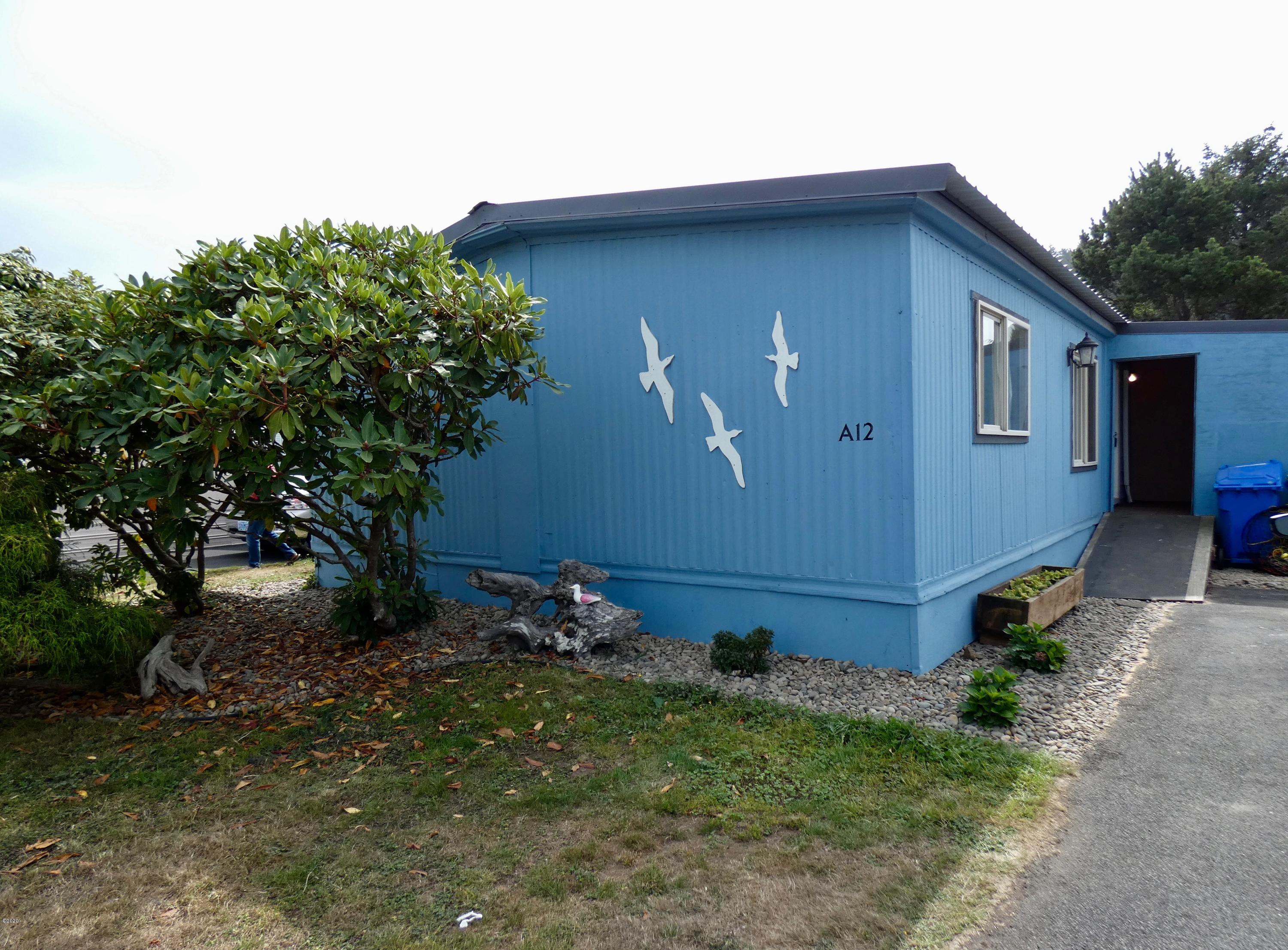 955 NE Mill St, A-12, Waldport, OR 97394