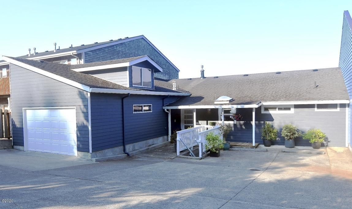 112 & 114 N Hwy 101, Depoe Bay, OR 97341 - Welcoming Entry 4 Pkg Spaces