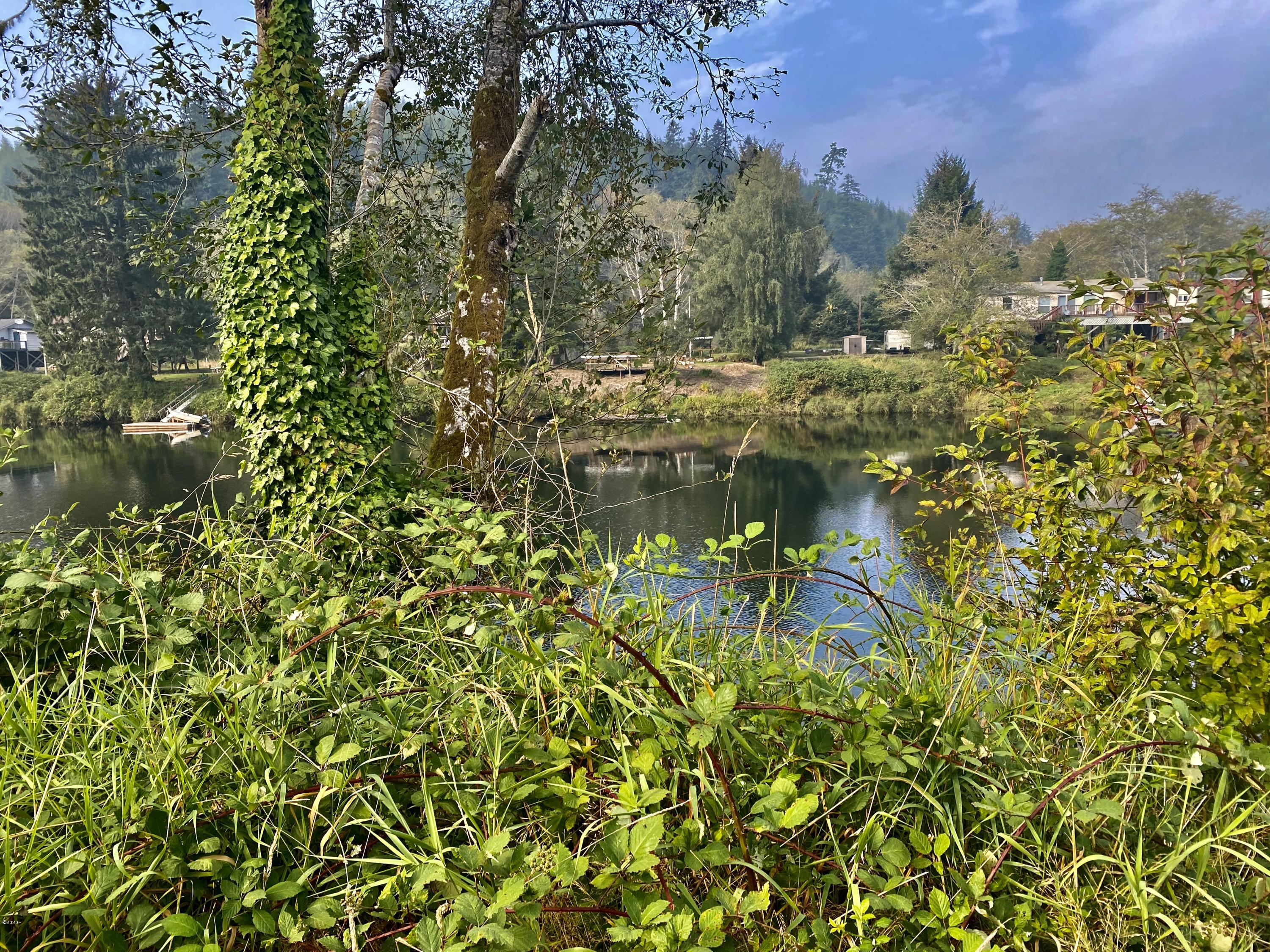 8072 S. Siletz River Dr, Lincoln City, OR 97367 - River front