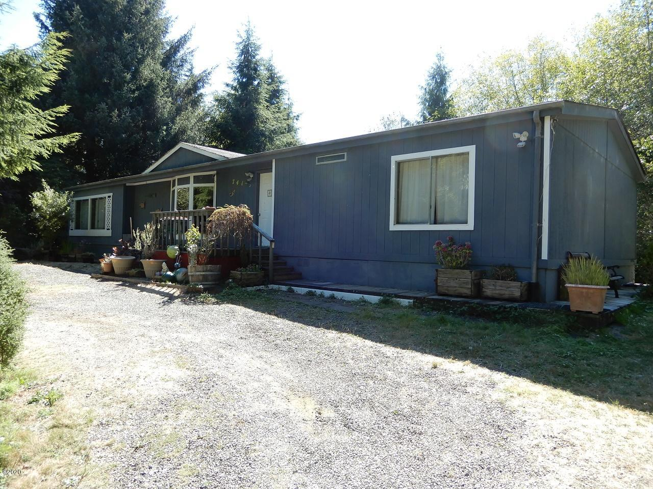 741 S Schooner Creek Rd, Lincoln City, OR 97367 - Front view
