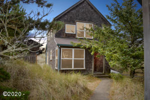5765 Barefoot Lane, Pacific City, OR 97135