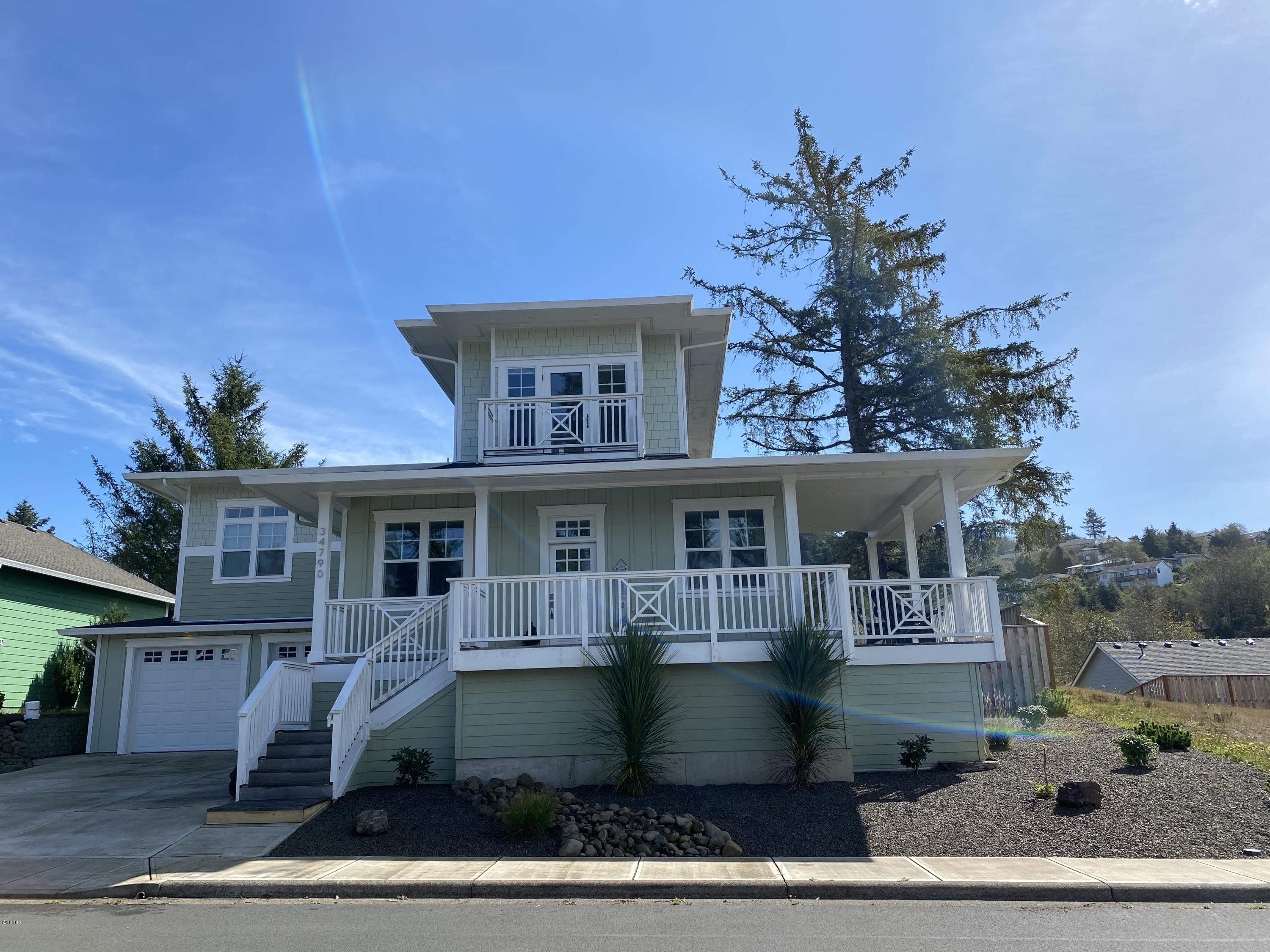 34790 Lahaina Loop, Pacific City, OR 97135