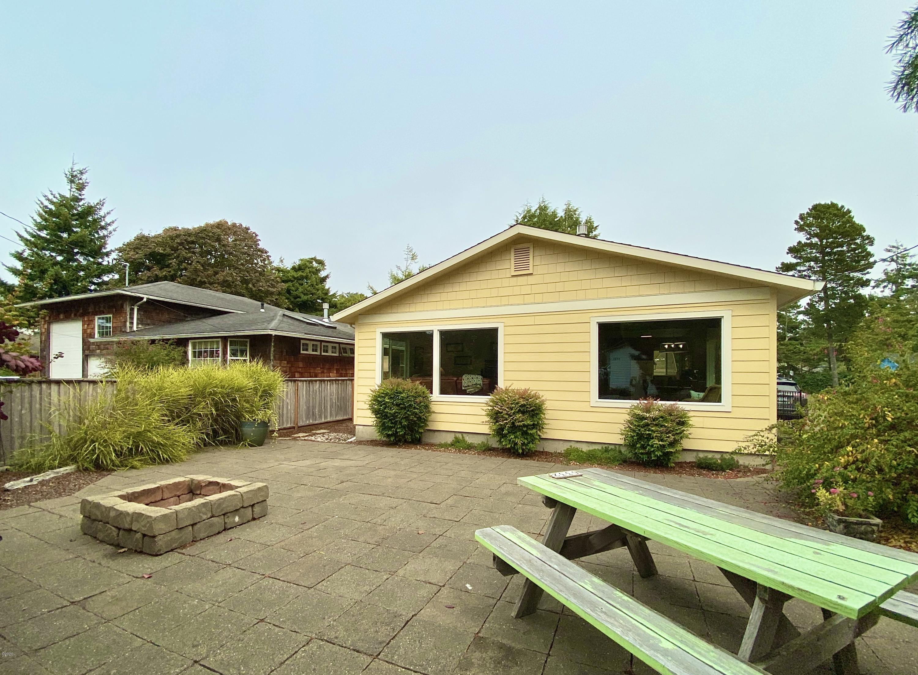 6332 SW Galley Ave, Lincoln City, OR 97367 - exterior front