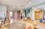 143 SW Cliff St, Newport, OR 97365 - 2nd Floor open space
