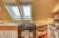 143 SW Cliff St, Newport, OR 97365 - 3rd Floor Galley Kitchen