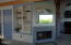 1047 SW 7th St, Lincoln City, OR 97367 - Built in Bookshelves