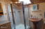 1047 SW 7th St, Lincoln City, OR 97367 - Upstairs bath