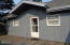 1047 SW 7th St, Lincoln City, OR 97367 - side yard deck