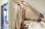 143 SW Cliff St, Newport, OR 97365 - 3rd Floor bath