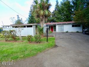2220 SE Alsea Way, Waldport, OR 97394 - Front of House