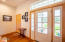 5920 SW Arbor Dr, South Beach, OR 97366 - Foyer